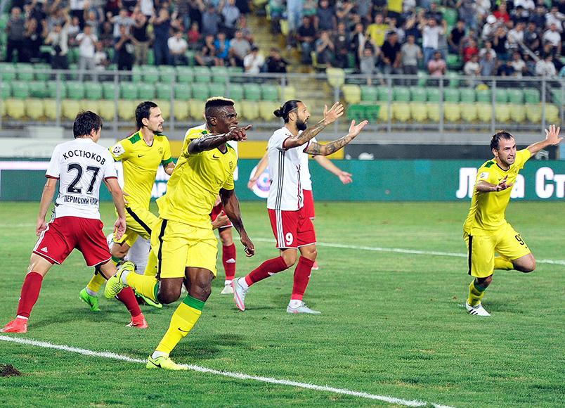 «Анжи» одержал первую победу в сезоне 2017/18
