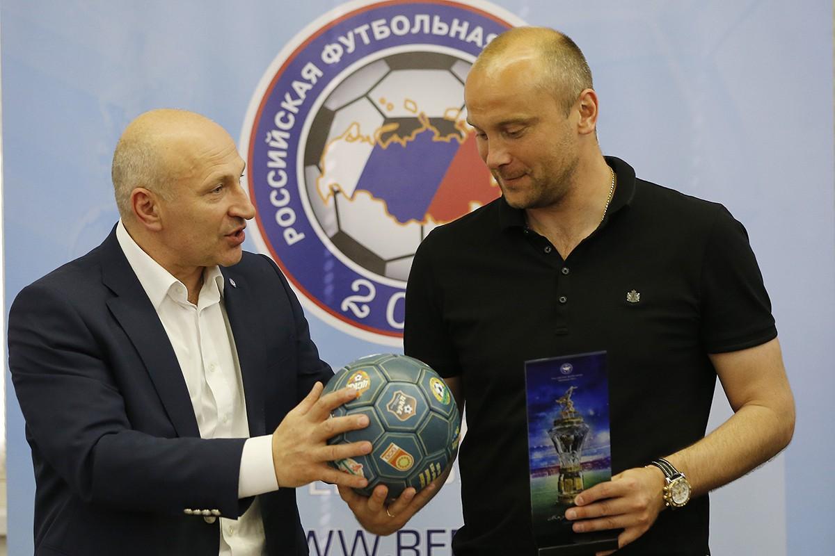 Сергей Чебан, Дмитрий Хохлов