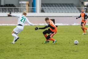 Урал - Томь 0:0